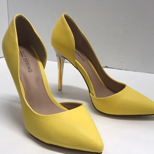 Call it Spring Yellow stiletto Heels size 6 Eur 36